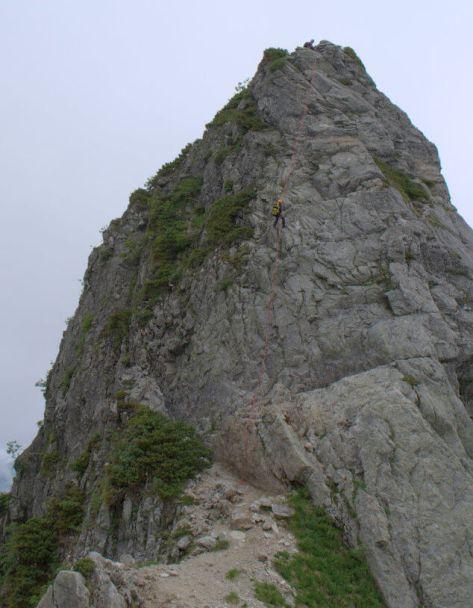 剱岳源次郎尾根のⅡ峰の根懸垂下降