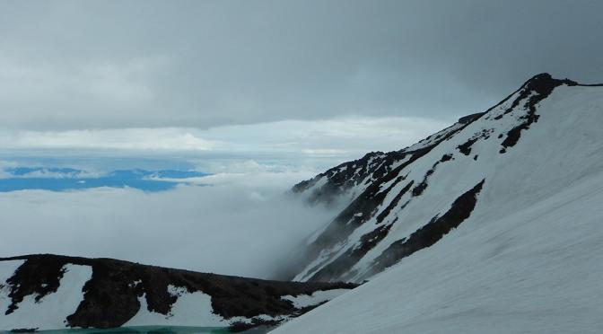 2014/06/07-08 御嶽山(6月初め、未だ雪が残る)